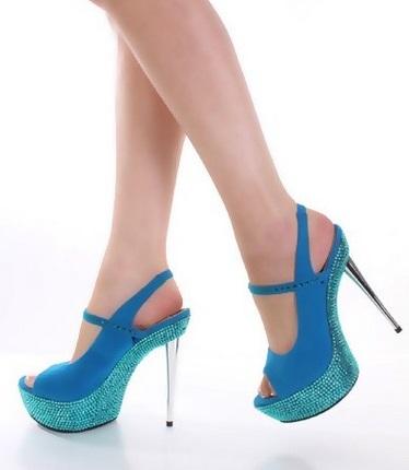 נעלי עקב תכלת וכחול